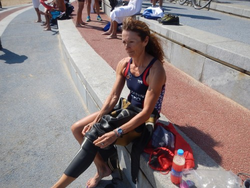 The race started at 8:45am and they announced that it was wetsuit legal at around 7am, with a water temperature just above 22C.  I should look happy here (and I am)!
